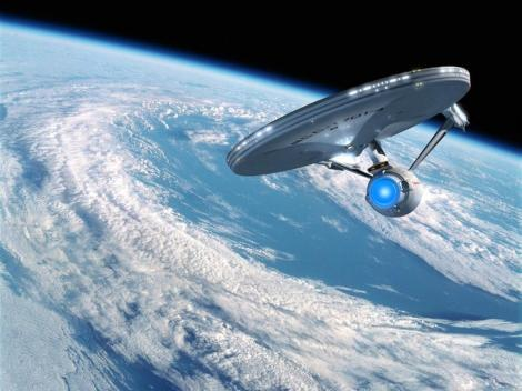2_Star_Trek_wallpaper_USS_Enterprise_in_Earth_orbit_computerdestkop_x-393170